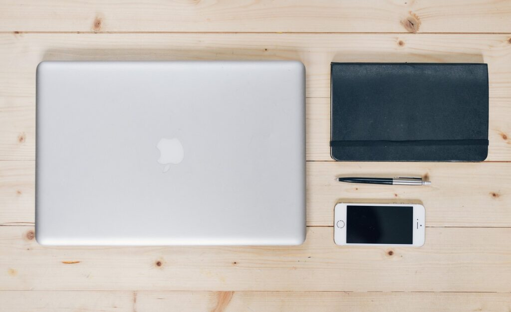 パソコンとスマホとノート